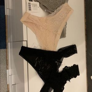 4 thongs